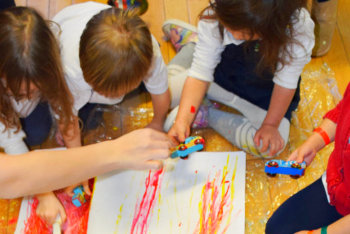 children doing art